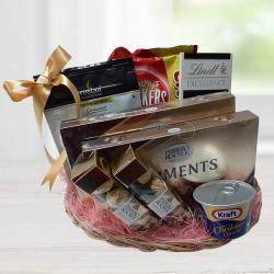 Amazing Gourmet Gift Basket to Agra