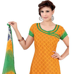 Enticing Splendour Crepe Salwar Suit to Akola