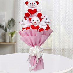Marvelous Bouquet of Teddy with Hearts to Ambalamugal