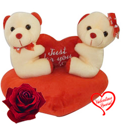 Awesome Couple Teddy with Aroma of Romance to Hyderabad