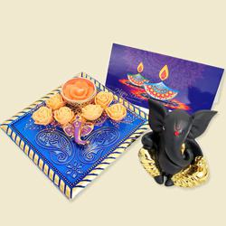 Stunning Gift of Moulded Ganesha Idol N Ganesha Candle to Diwali_usa.asp