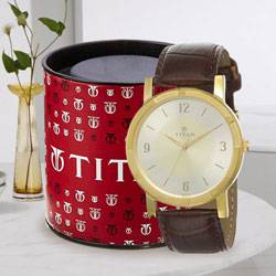 Exclusive Titan Analog Mens Watch to Alwar