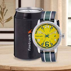 Attractive Fastrack Varsity Analog Mens Watch to Aligarh