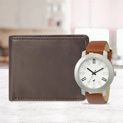 Arresting Fastrack Watch with a Leather Wallet for Men to Abohar