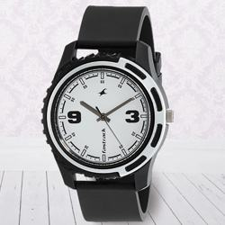 Exclusive Fastrack Casual Analog Mens Watch to Ahmadnagar