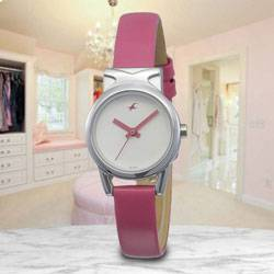 Wonderful Fastrack Fits and Forms Analog Womens Watch to Aligarh
