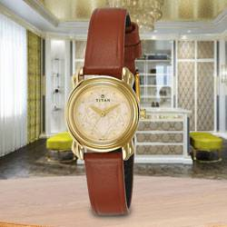 Marvelous Titan Analog Womens Watch to Amritsar
