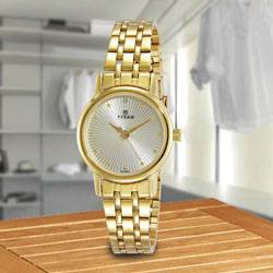 Remarkable Titan Karishma Revive Analog Womens Watch to Aligarh